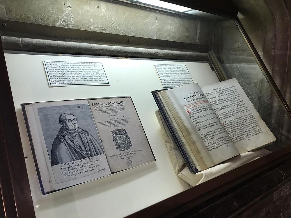 ejemplar autentico de  de  la Biblia del Rey Jaime