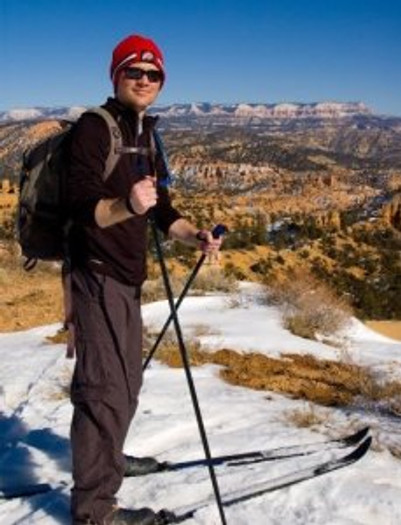 Cross country skiing from Ruby's Inn along the Rim of Bryce Canyon