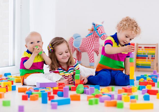 Brincadeiras-para-crianças-de-2-anos.png