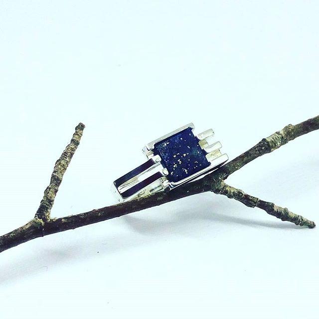 Ring - silver, lapis-lazuli