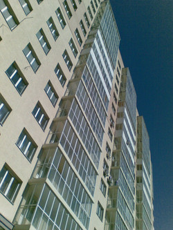 Фрагмент фасада со стороны ГПНТБ