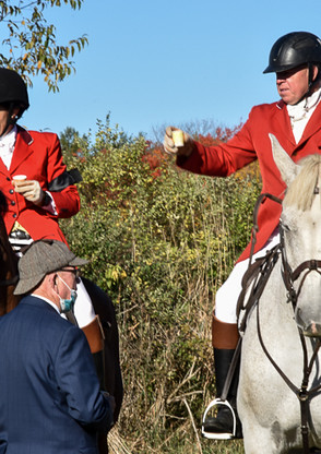 JT MFHs Eddy and long-time member Roger Gates at the Memorial Hunt