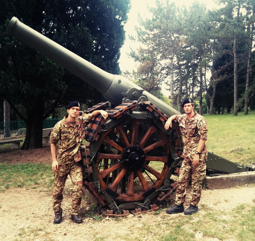 World Word II cannon with two Italian militaries