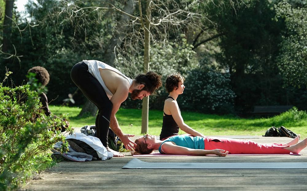 Cours de yoga HMK au parc - Montpellier - Dimanche Bien-être bercé de Yoga, méditation, relaxation, respiration, pranayama, et de nature