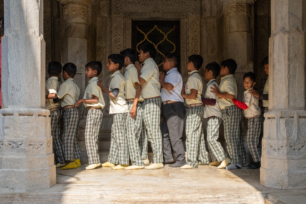 India_20_School Boys in Line at Temple.j