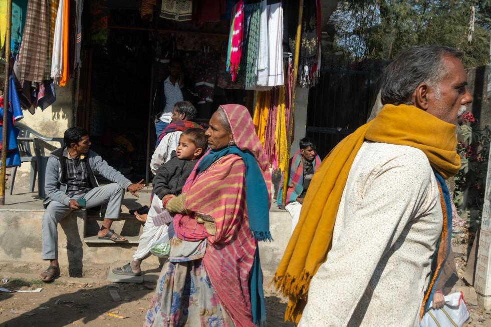 India_23_Sidewalk Scene.jpg