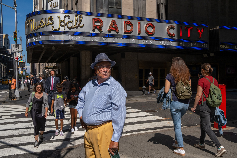 NYC_2_Radio City Man.jpg