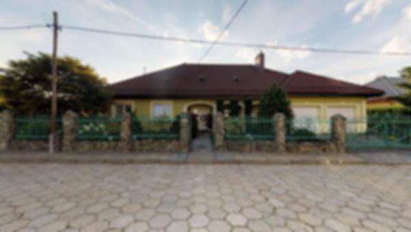 Dom-z-Basenem-w-Zorach-08102019_092415.j