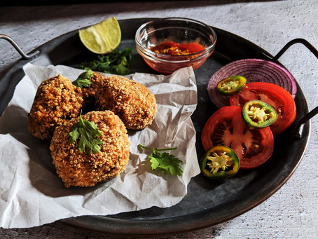 Quinoa and veggie croquettes with curried ketchup