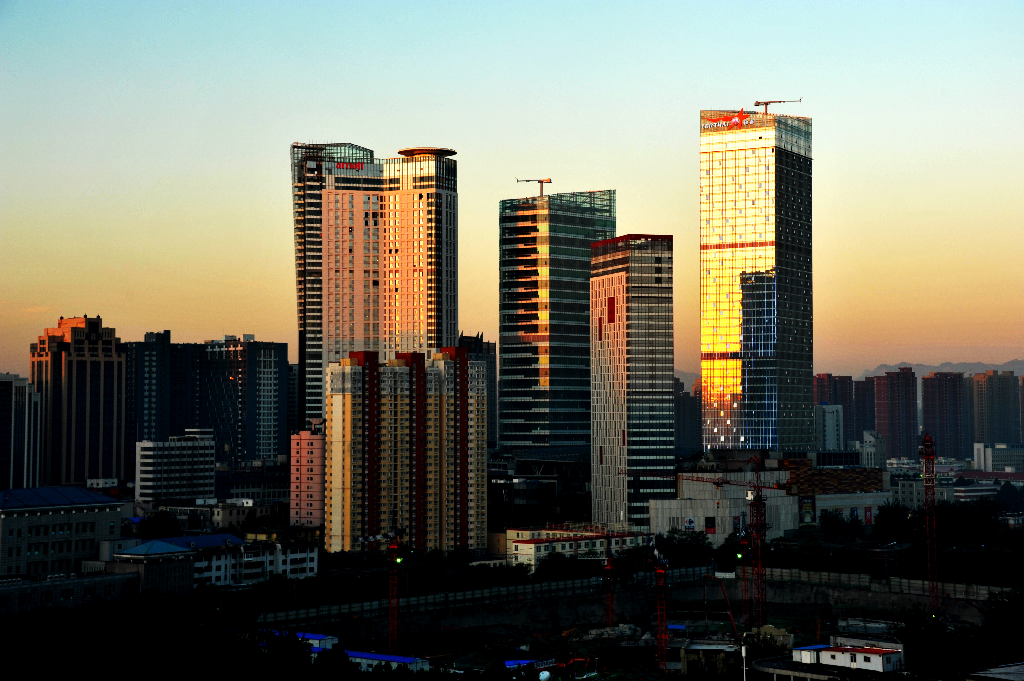 Shiajiazhuang Lerthai Center towers