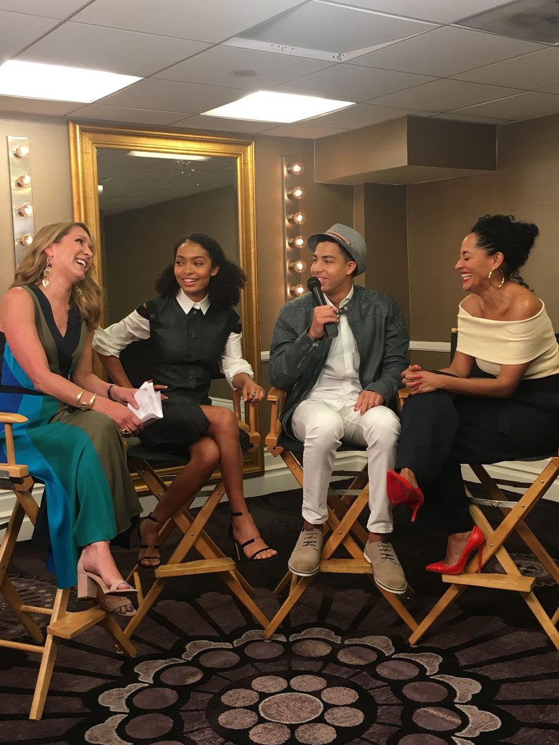cast of black-ish and alison deyette.jpe