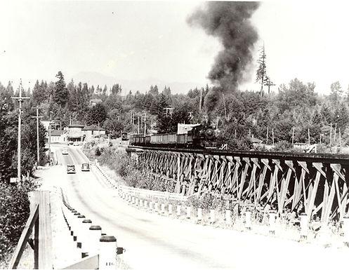 85.182.1 MV RR Trestle & Train.jpg