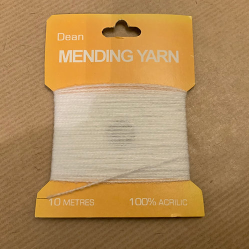 Mending yarn - White