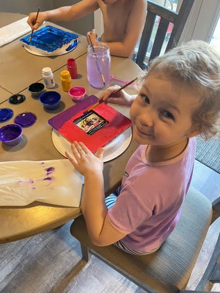 Catherine Paints her Picture Frame.