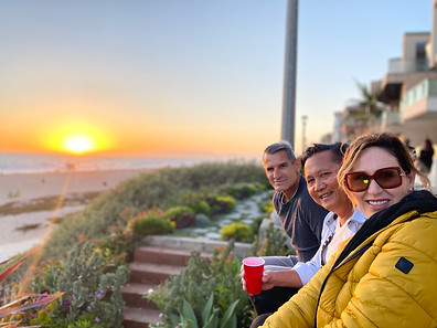 Hanging with Collegues in Manhattan Beach.
