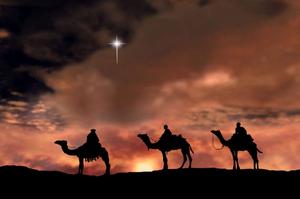 Conheça os significados das velas no Natal. Simbolismo das velas no natal tem conexão com os reis magos que se guiaram pela estrela