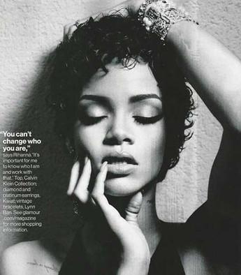 6.-Rihanna-Curly-Hair.jpg
