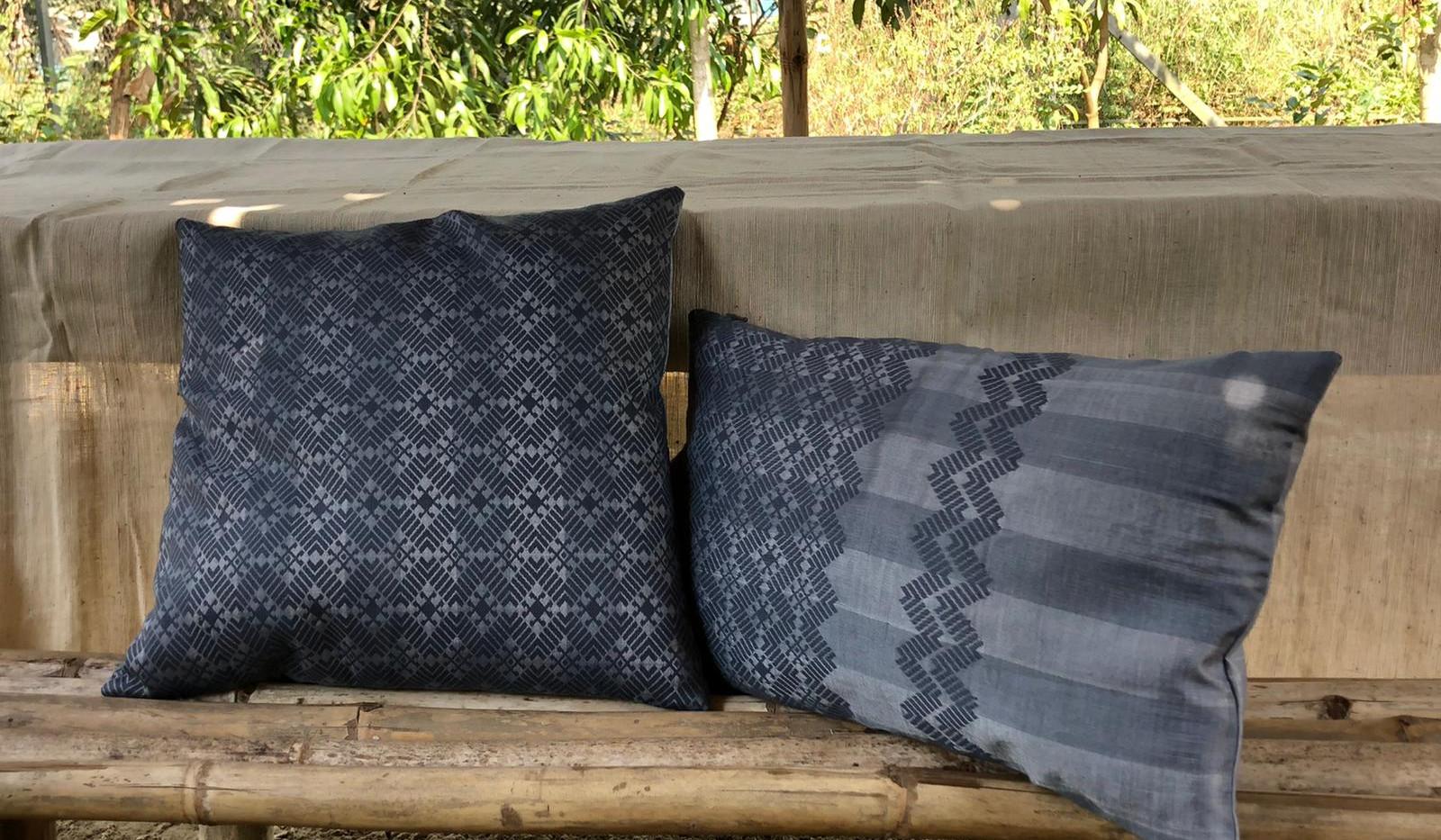 Coussins Katchin  40x40 couleur gris sourie 30x50 couleur gris sourie