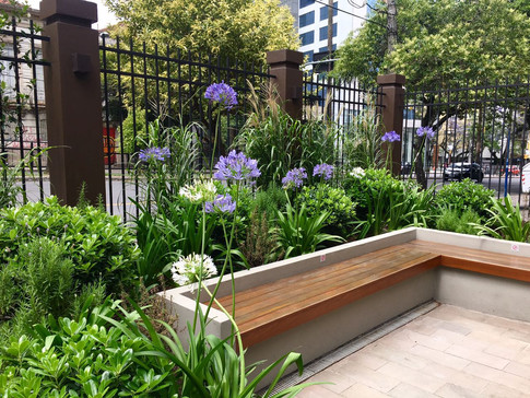 Living garden comercial - Av. Independência - POA
