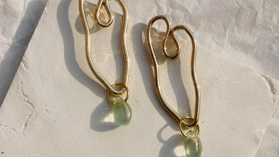 Last bead abstract heart stud earrings