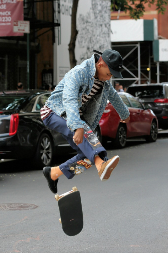 Jaden Smith in mismatched shoes