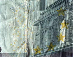 5 Euros - The Falling Temple