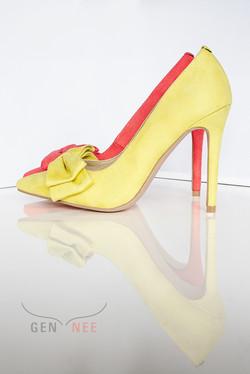 Gen Nee mismatched shoes Alex 3