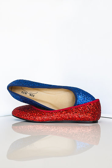 Mismatched colours glittery flat ballerinas from Gen Nee shoes. Sasha model, glittery red and blue