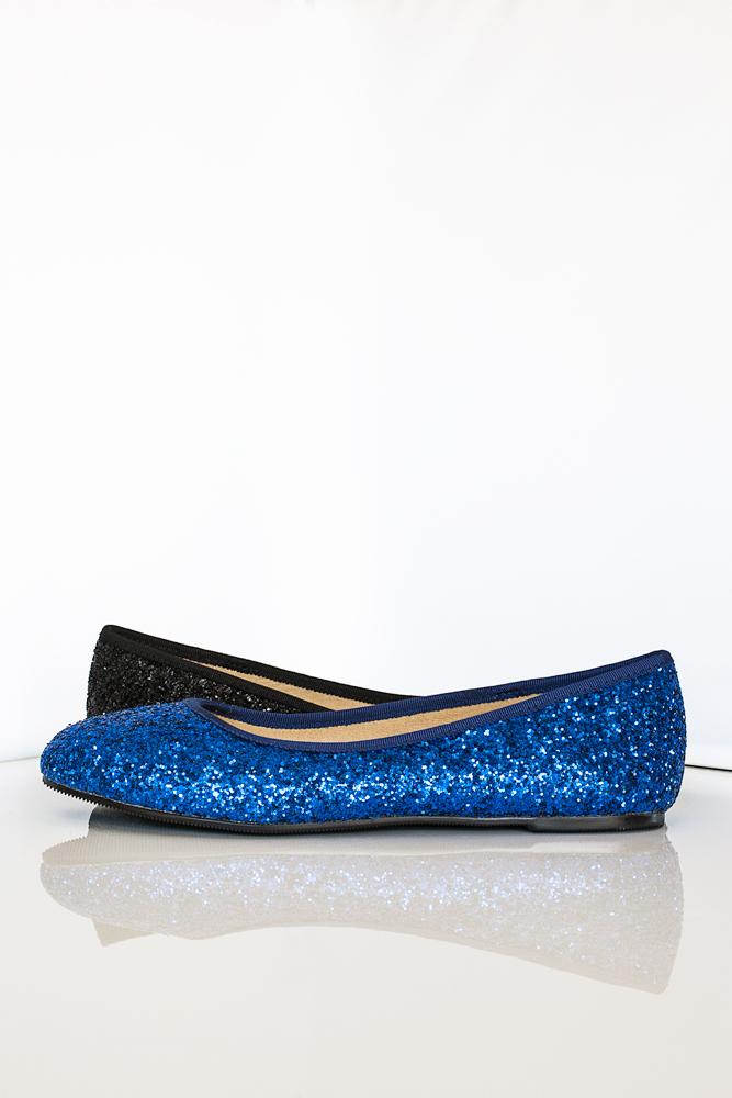 Gen Nee mismatched shoes Charlie 2