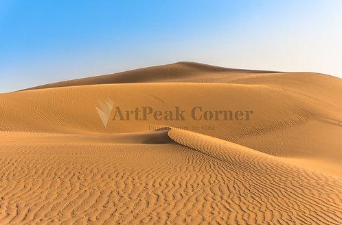 La montaña del desierto en Irán