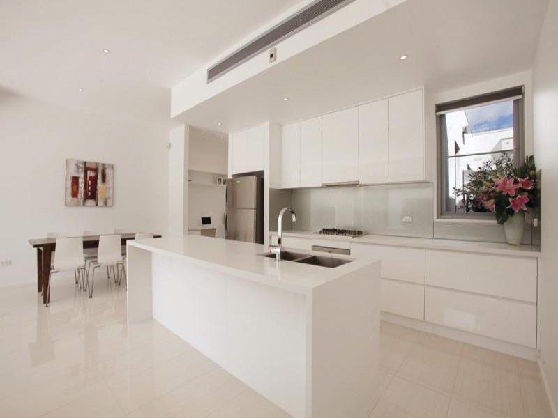 Kitchen (Taman Daya 2)