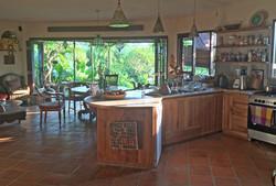 Casa Coolio Main House_Kitchen_04