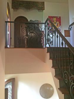 Casa Coolio Main House_Staircase & Hallway_01