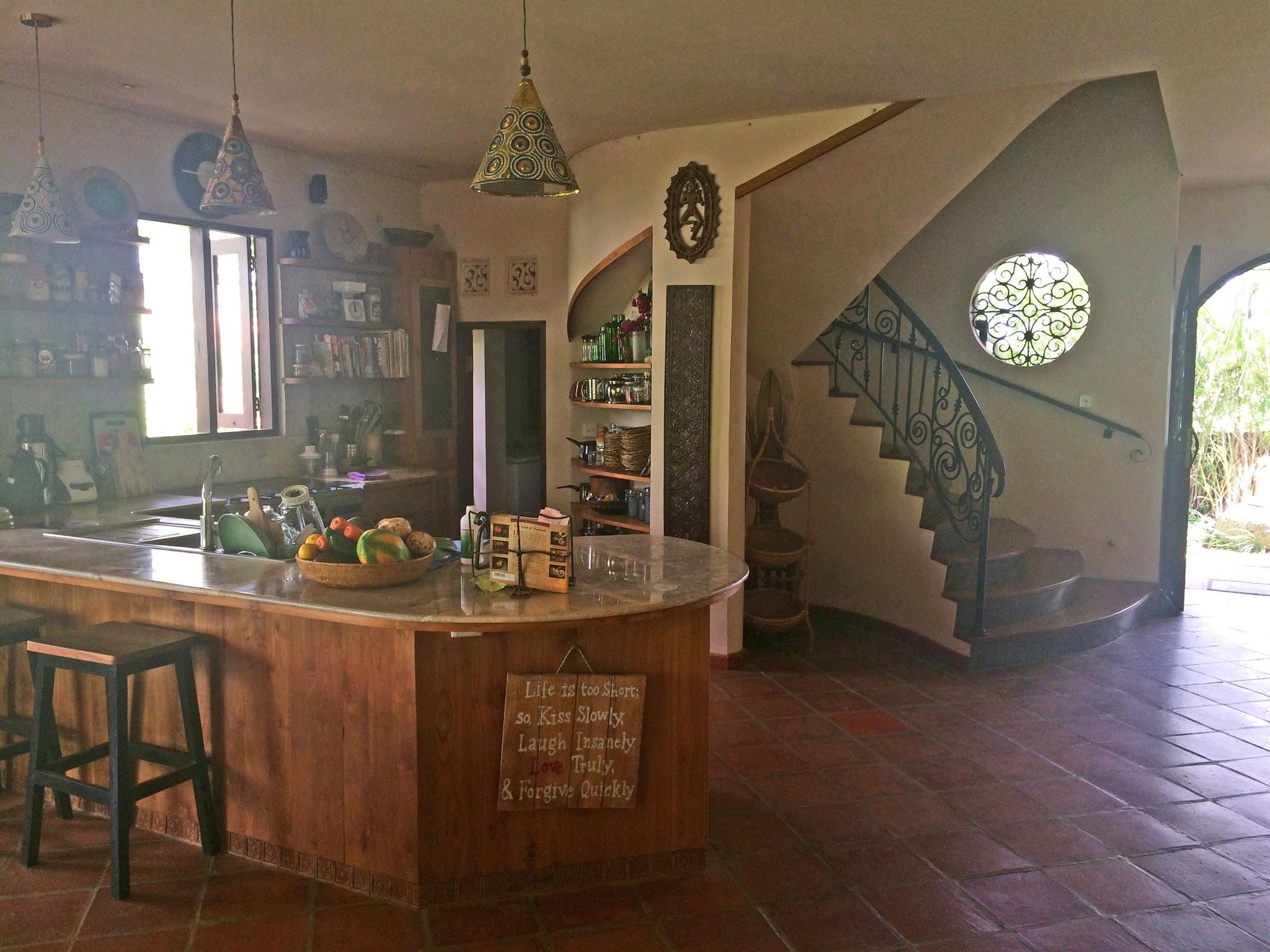 Casa Coolio Main House_Kitchen_01