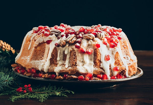 Christmas Cake with Pomeegranates & Gree