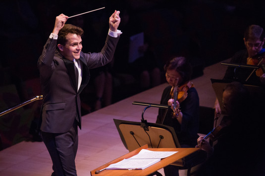 Lee Mills Conducts the LA Phil