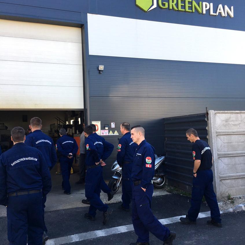 Tűzoltók a Green Plan Energy Kft. te