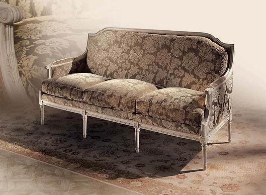 Louis XVI Sofa Dante Angelo Cappellini_interior_München_Wohnzimmer_Luxusmöbel