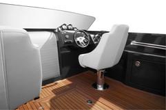 Frauscher-1017-GT-interior4.jpg