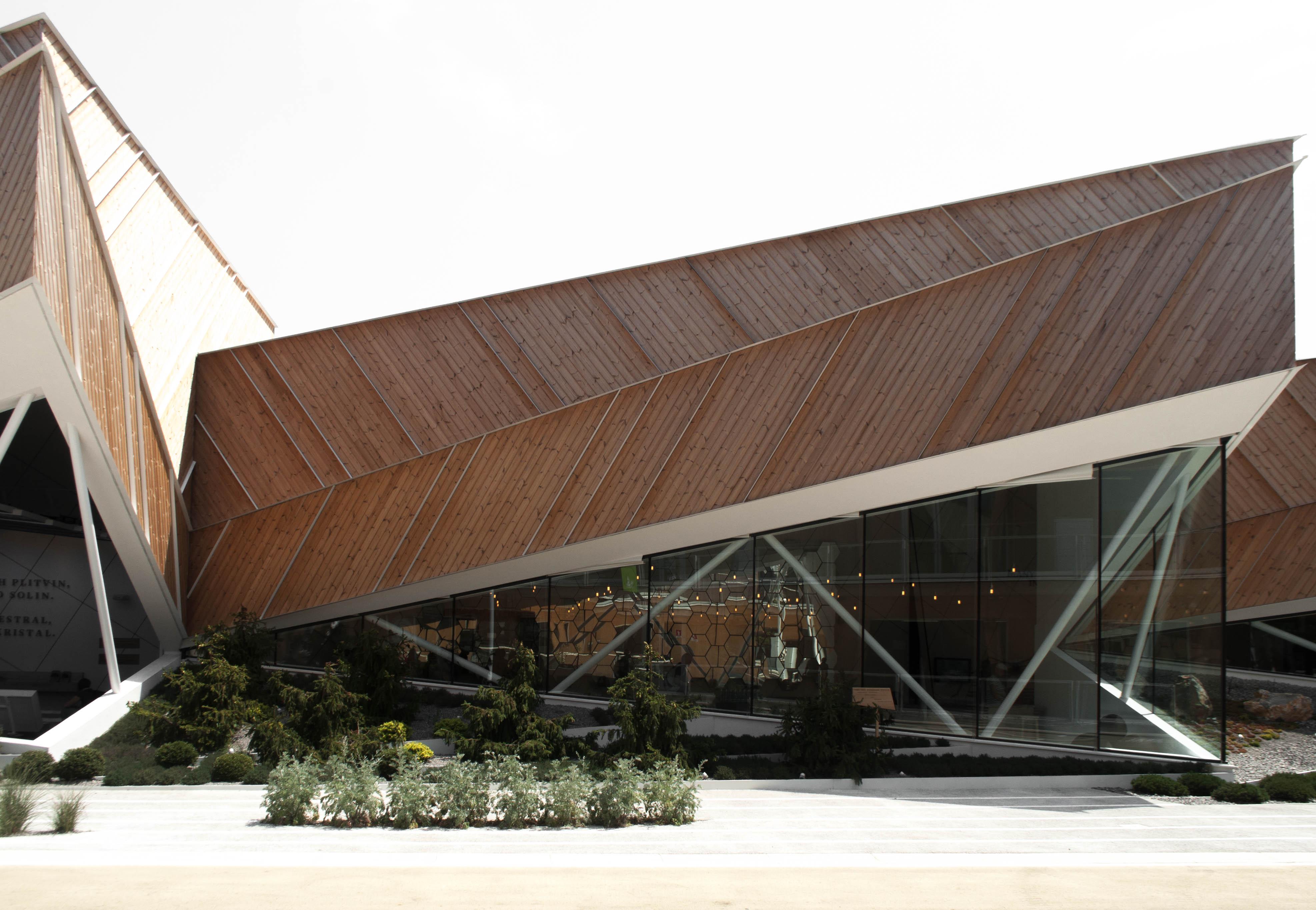 Slavonia Pavilion 01
