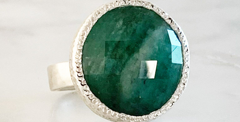 SPRING GREEN EMERALD RING - ONE-OF-A-KIND