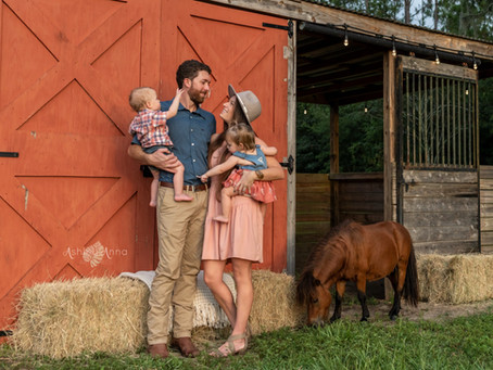 How to Style Your Wardrobe for Fall Family Photoshoots