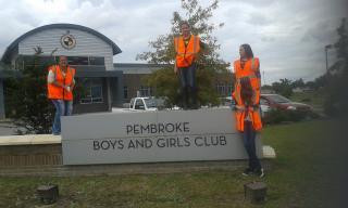 Pembroke Club take part in Roadside Cleanup