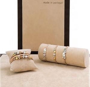 Bracelets Art._edited.jpg