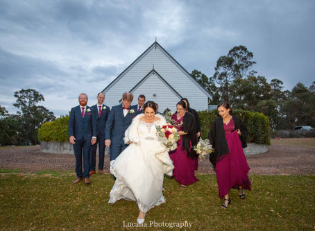 The wonderful winter wedding of Steph and Andy