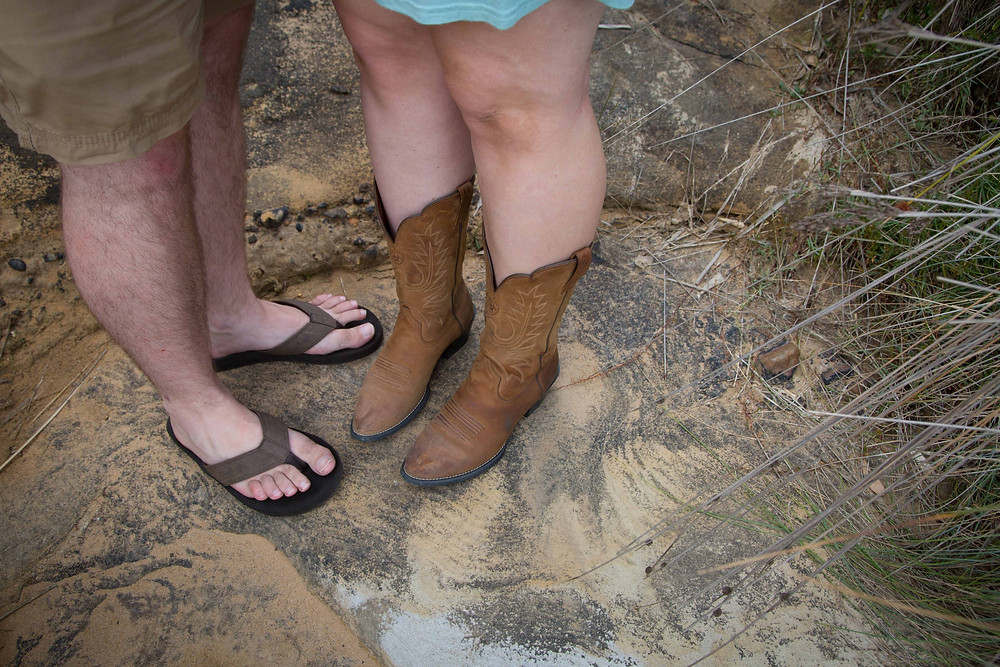 parents feet dad wearing jandles mum wearing cowboy boots, Wairarapa family photographer what to wear