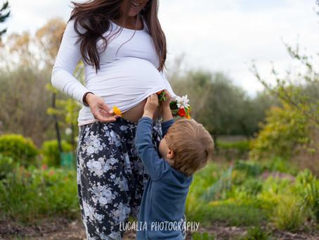 Wairarapa maternity photos in the garden at home