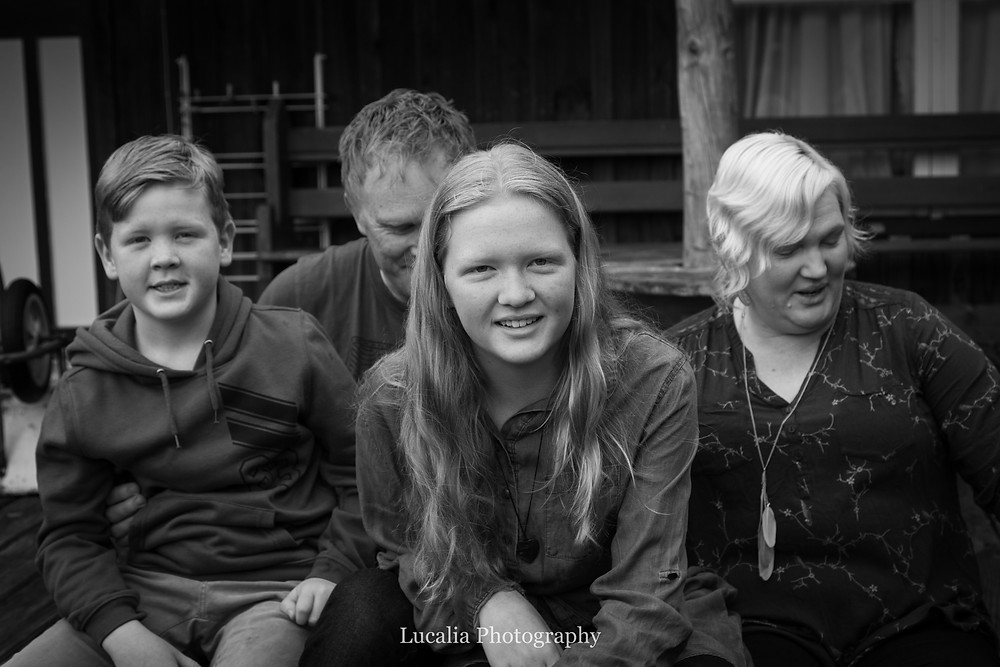 children with parents, Wairarapa family photographer