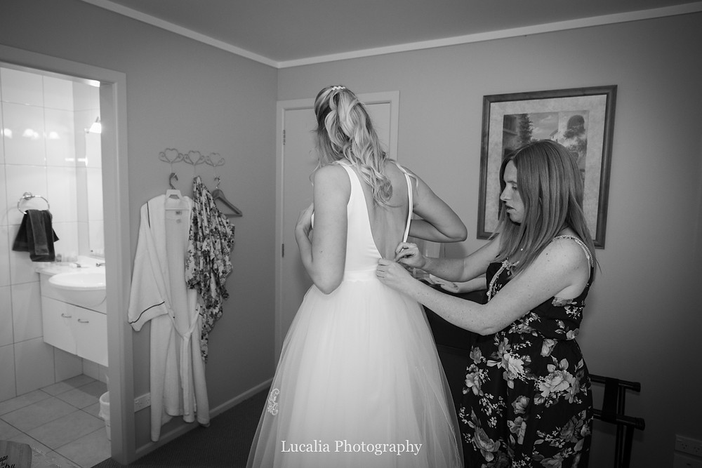 bride getting ready, Wairarapa