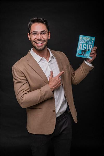 Empresário Ricardo Fiorillo faz sucesso com seu livro de inteligência emocional